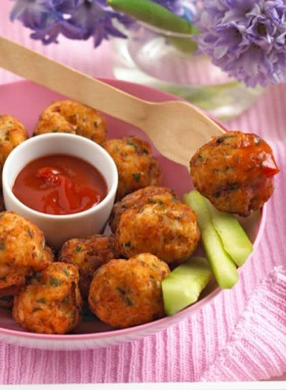 Chicken and apple balls. - Baby-Led Weaning Chicken Recipes | Baby Journey