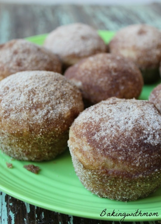 Applesauce Puffs are made with applesauce, no oil. Have for breakfast , brunch or snack