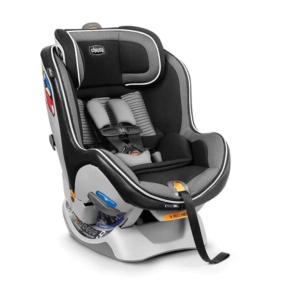 The ultra-deep seat keeps your baby snug and in place.