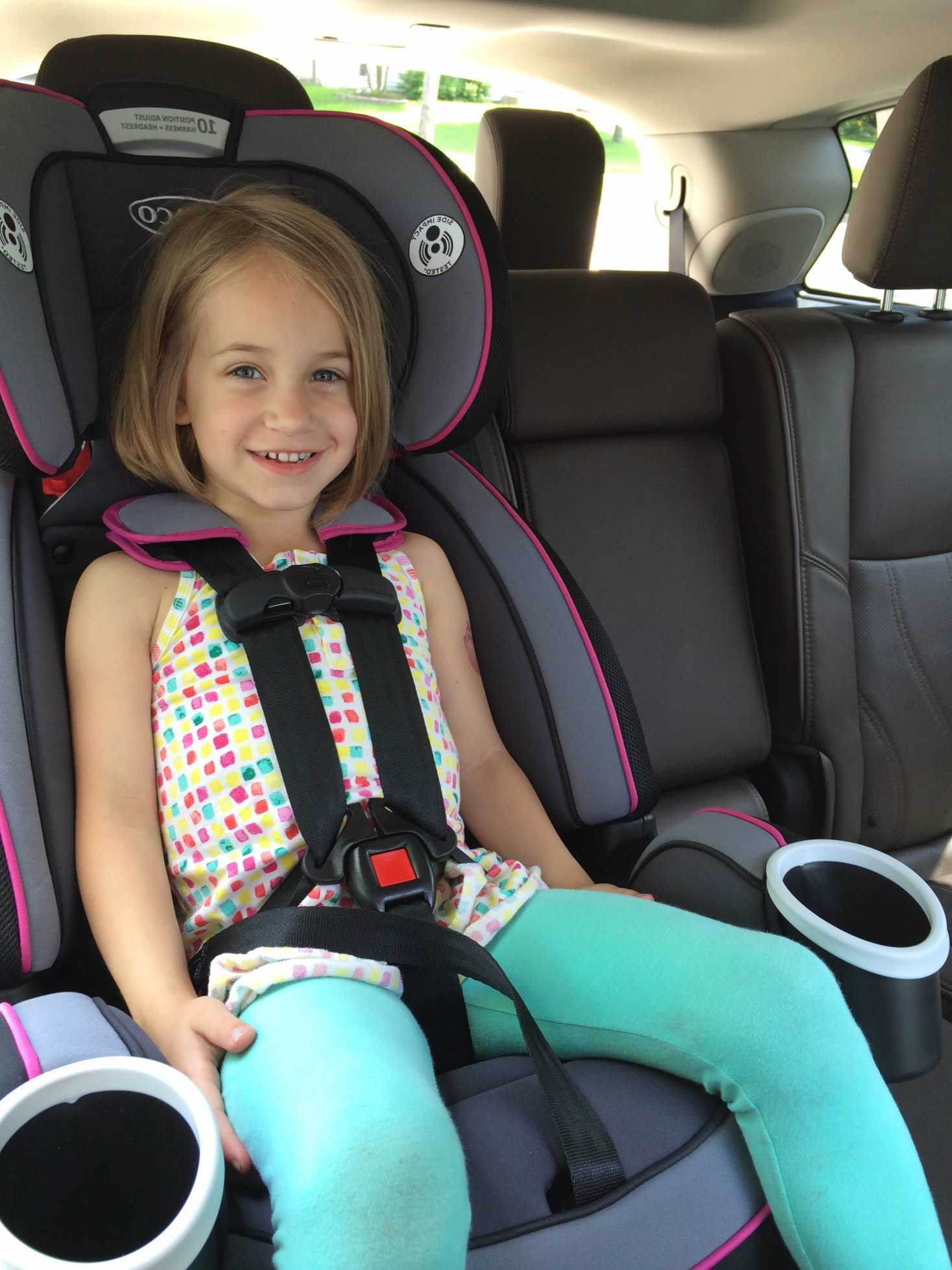 For children weighing 22 to 40 pounds the Evenflo Advanced Chase LX seat is designed to be used with the 5-point harness. - Evenflo Advanced Chase LX Reviews | Babyjourney