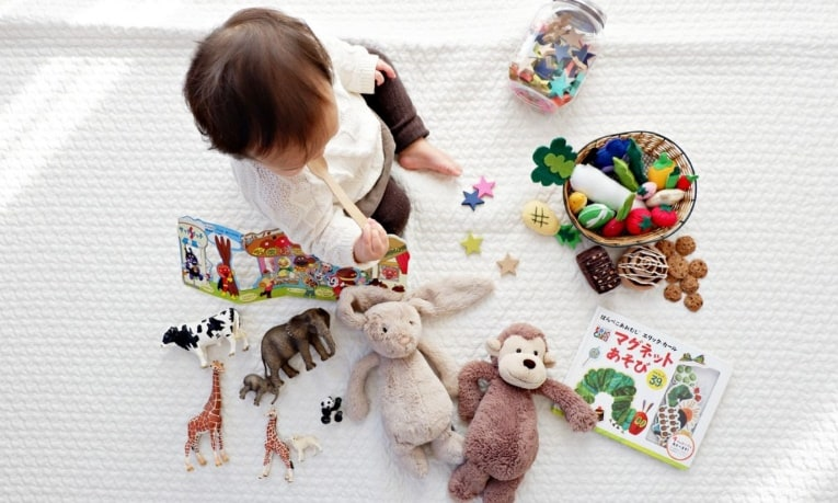 Choosing the best baby toys for your little one can be a daunting task with so many toy options. - Best Baby Toys | Baby Journey