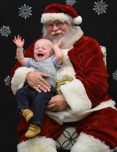 Perfect Santa Picture with Baby - Baby Christmas Picture Ideas