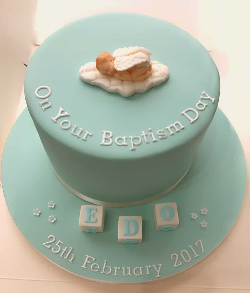 Baby angel is perfect for a baptism day!  - What to Write on Baptism Cake | Baby Journey