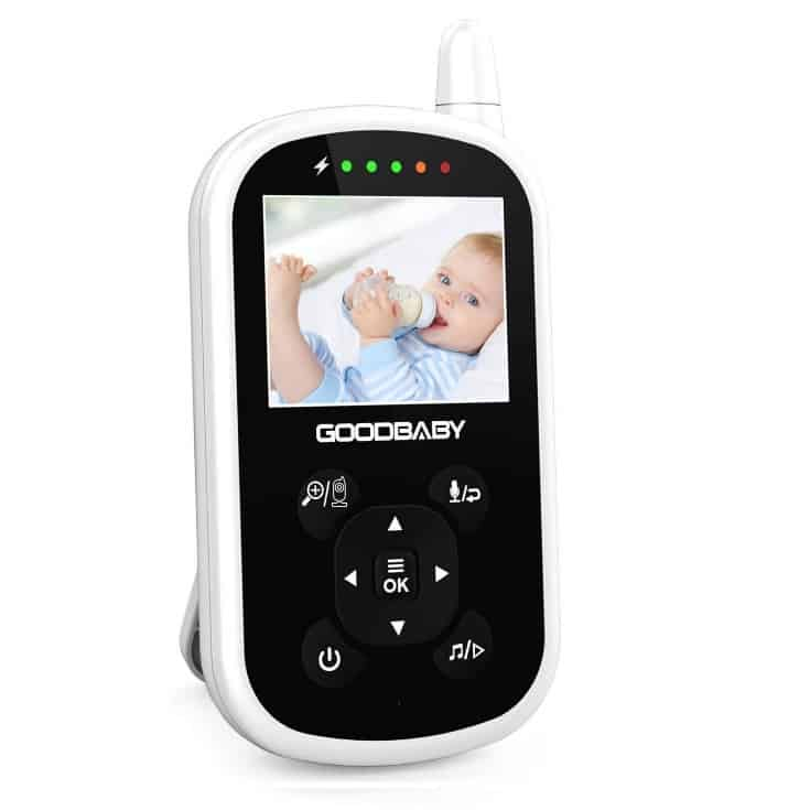 You definitely want a screen that is bigger than this for a comfortable split screen view so you can see the details better. - Best Split Screen Baby Monitor Review | Baby Journey