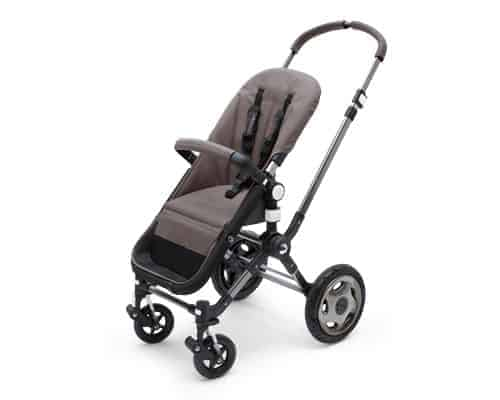 The adjustable handlebar makes the Cameleon 3 great for parents of all heights. - Bugaboo Cameleon 3 | Baby Journey