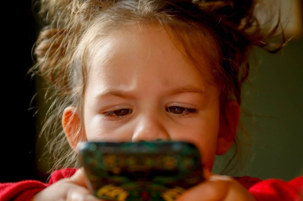 """Learn to say """"No"""" to your kids to make them understand that they have to abide by the cellphone use limit.- 9 Effective Cell Phone Rules for Younger Kids & Toddlers   Baby Journey"""