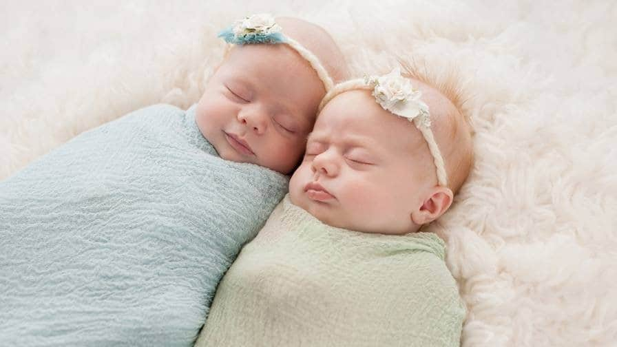 Swaddling is a safe way to help your baby sleep.- How to swaddle a baby | Baby Journey