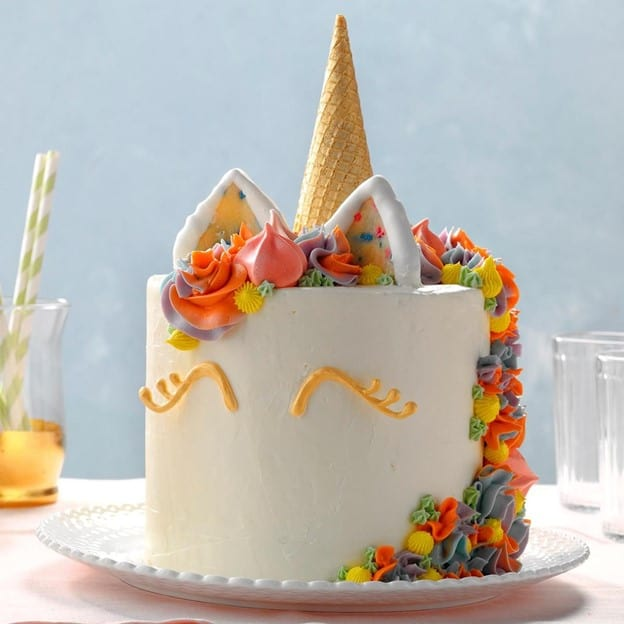Unicorn cake with marshmallows is too pretty to be smashed, but it can be a second cake! - The Ultimate Guide to Planning Your Baby's First Birthday l Baby Journey