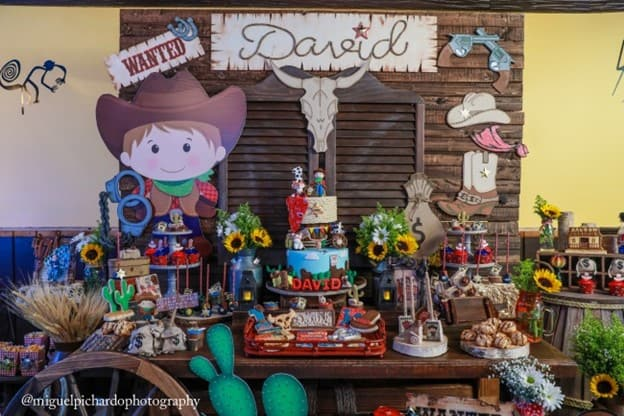 I feel like the cowboy theme is underutilized. There are so many interesting details and props you can add to the decoration and food! - The Ultimate Guide to Planning Your Baby's First Birthday l Baby Journey