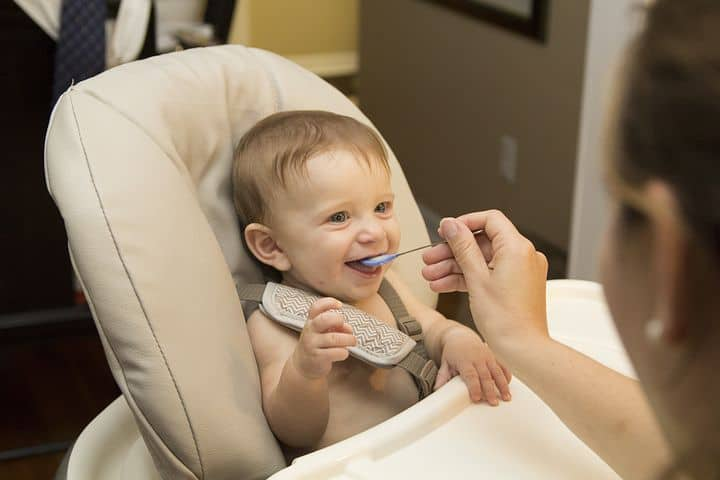 Baby cereals help to strengthen your baby's tongue and mouth movements. - Oatmeal vs Rice Cereal | Baby Journey