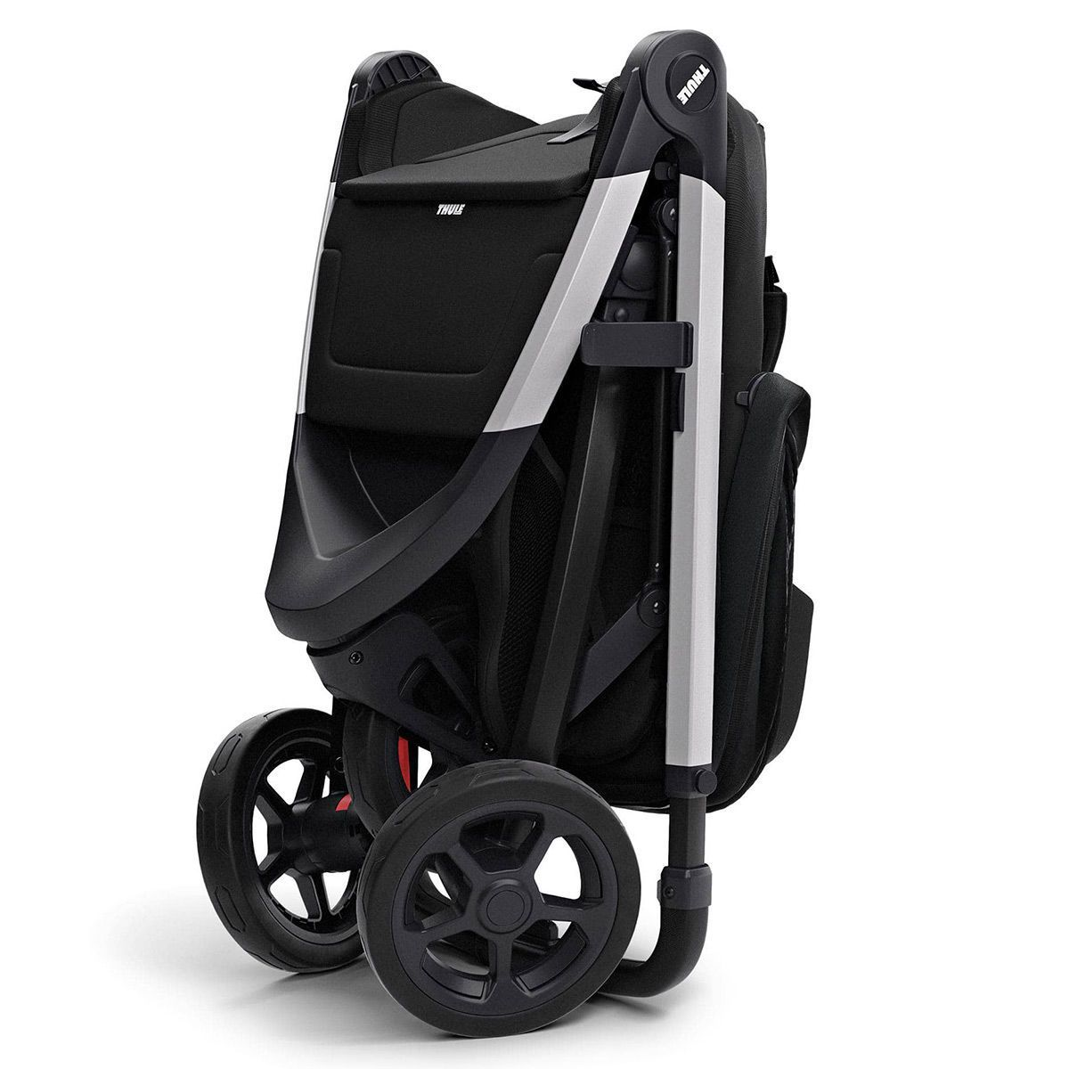A lightweight collapsible stroller is convenient for travel. - Gate Checking Car Seat and Stroller | Baby Journey