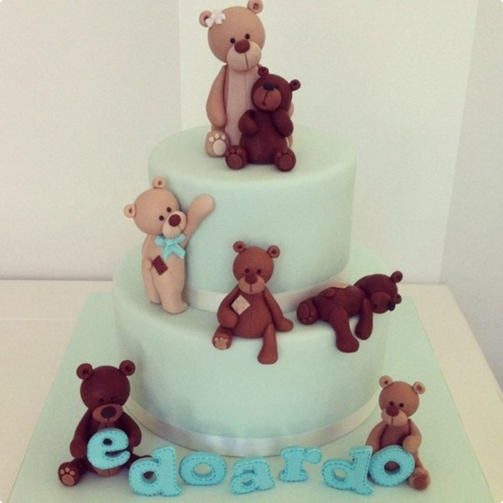 Teddy Family cake - 42 Unique Baby Shower Cakes and Baby Shower Cupcakes Ideas - Baby Journey Blog