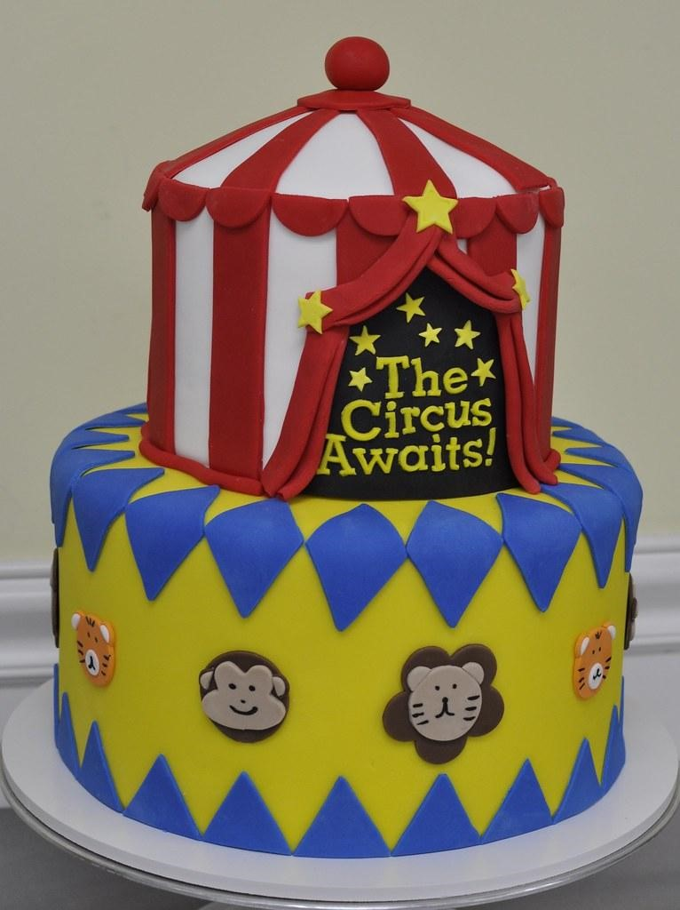 Life's A Circus Cake - Unique Baby Shower Cakes and Baby Shower Cupcakes Ideas - Baby Journey Blog