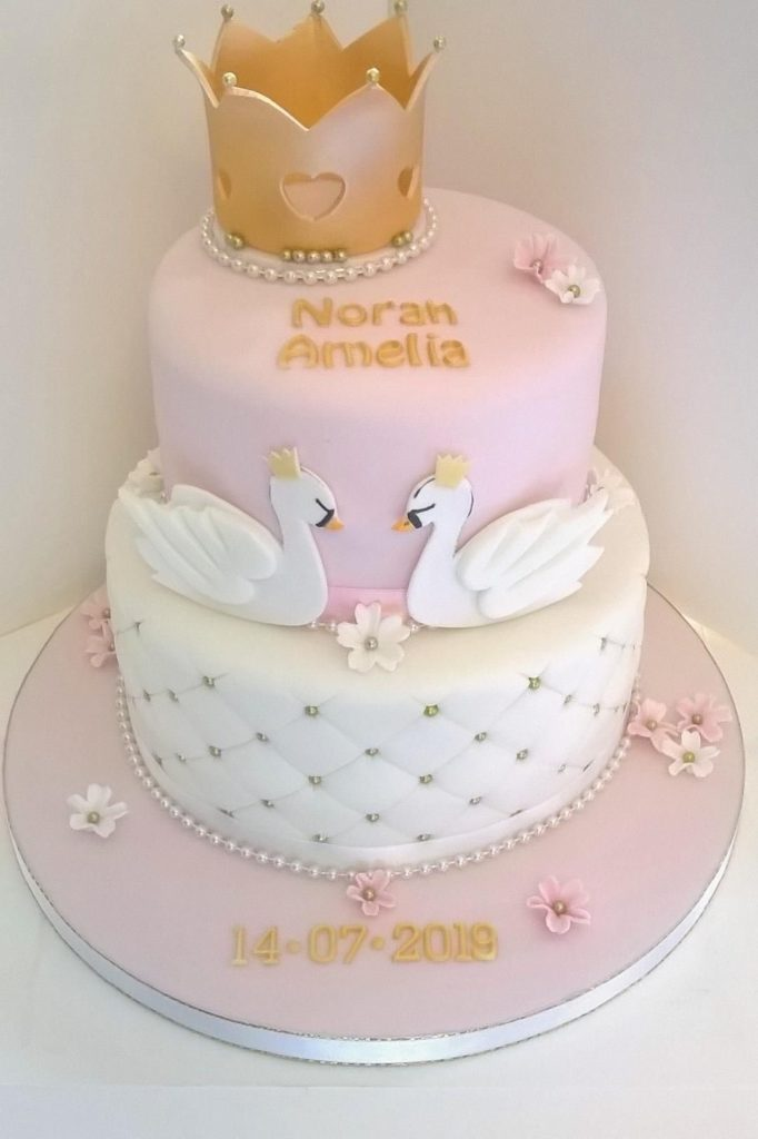 Fit For A Princess (or Prince) cake - 42 Unique Baby Shower Cakes and Baby Shower Cupcakes Ideas - Baby Journey Blog