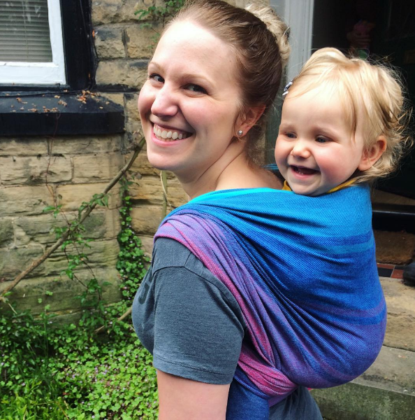 How to Do A Back Carry so that Your Baby stays in the wrap tightly - How to Tie A Baby Wrap - Baby Journey blog